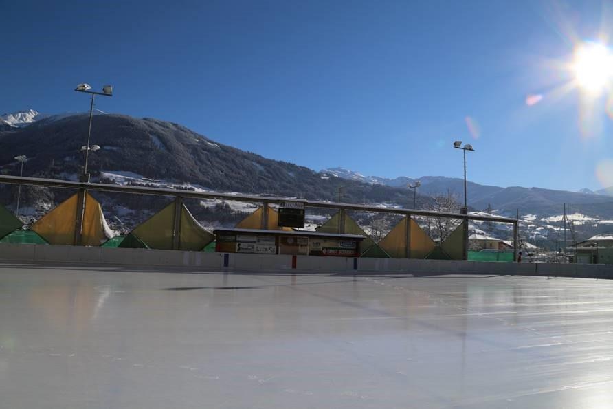 Eislaufplatz_Vomp.jpg